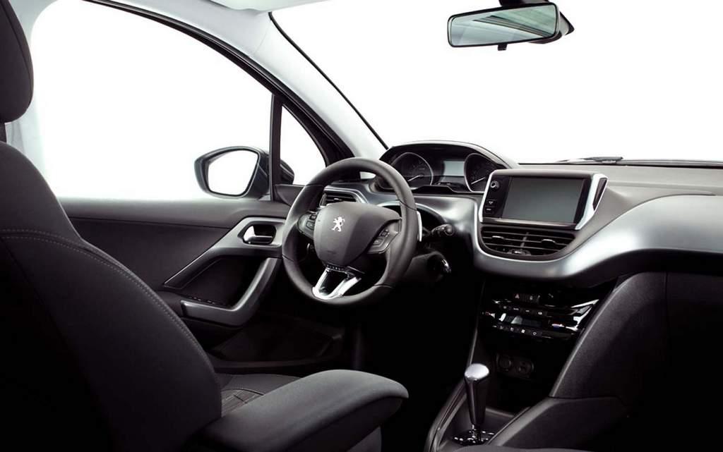 Novo Peugeot 208 - interior