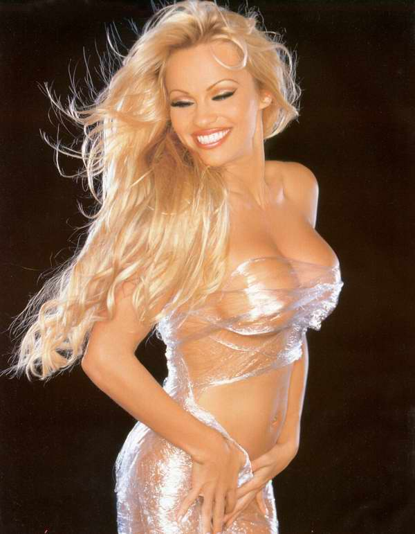 Labels: naked, pamela anderson