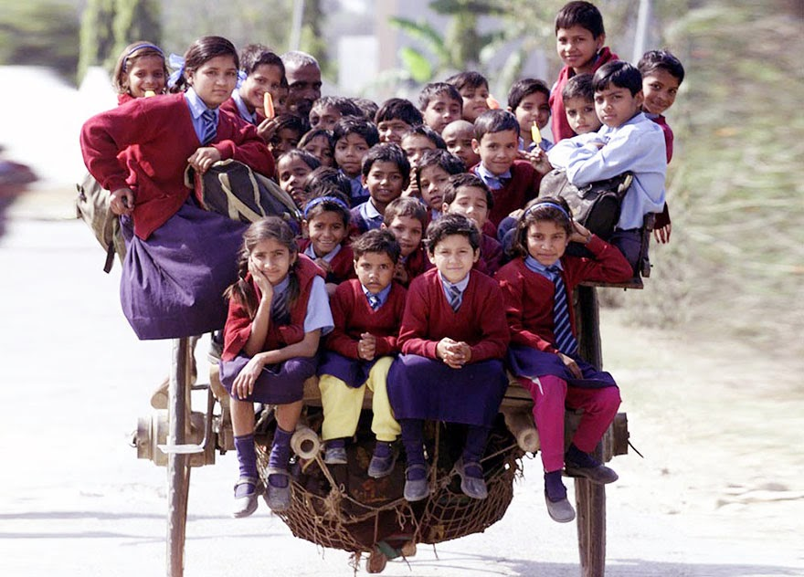 20 Of The Most Dangerous And Unusual Journeys To School In The World - Delhi, India