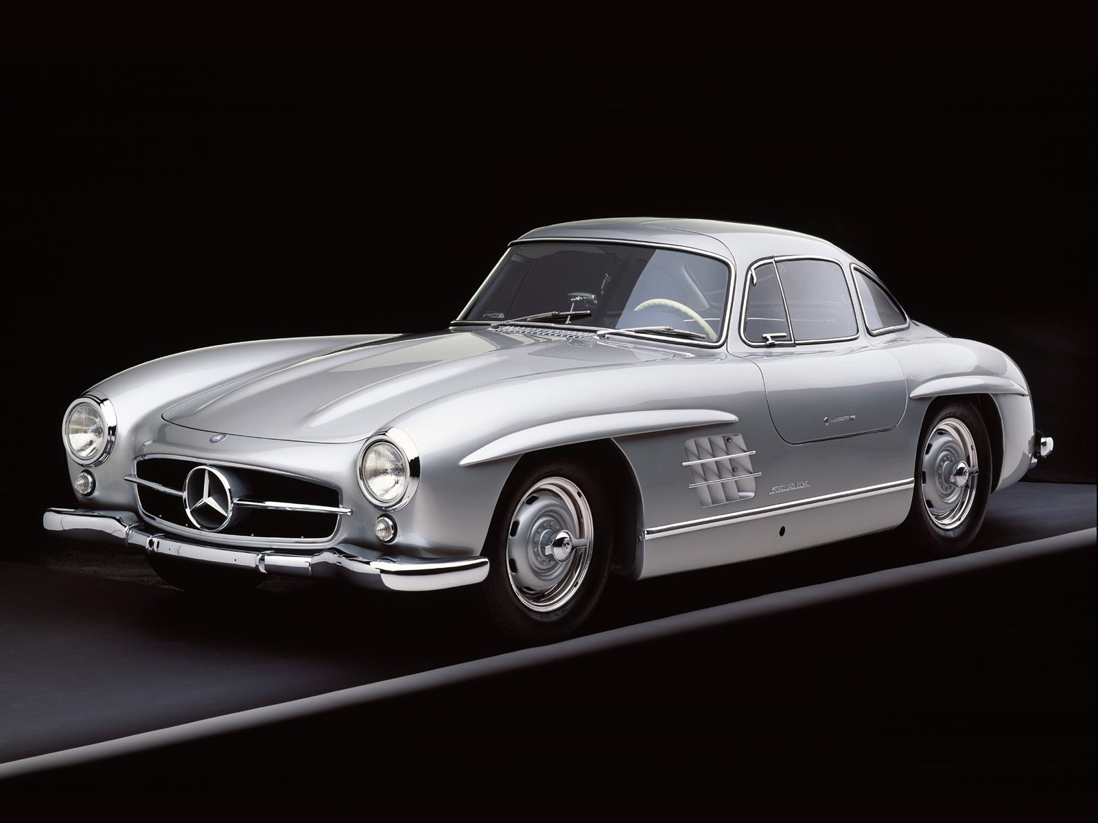 OLD SCHOOL CARS: 1960 Mercedes 300 SL Gullwing