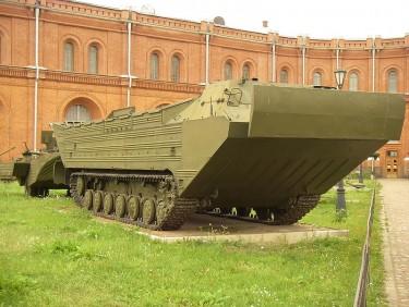 10 Kendaraan Militer Paling di Dunia: PTS Plavayushij Transportyor - Srednyj