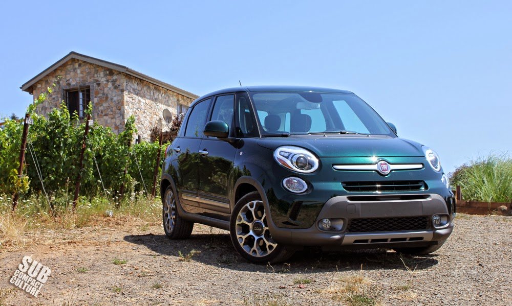 Fiat 500L Trekking at a vineyard