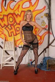 Horny and twerking - rs-1-719661.jpg