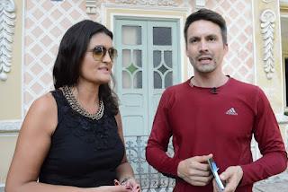 Cléo Jordão, secretária de Turismo, dá as boas vindas ao apresentador do SBT, Samuel Guimarães
