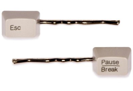 keyboard-art-recycle-DIY-amazing-reuse-fun-do it yourself-fashion-gadgets-badg-necklace-ring-earring-belt-tie-show-cufflink