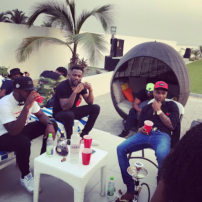 Olamide Who? Don Jazzy Who? Wizkid Chills With Close Pals (Photo)
