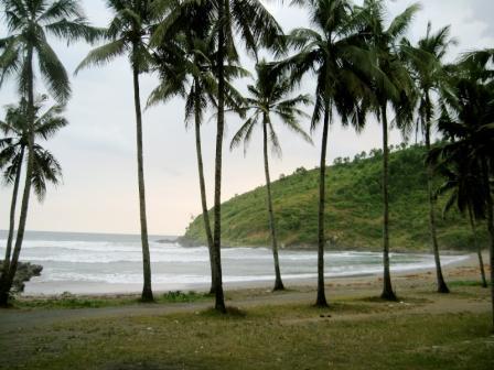 lokasi pantai karangbolong kebumen