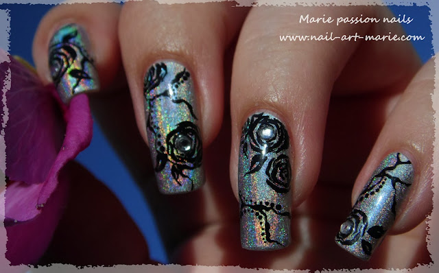Nail Art Roses noires9