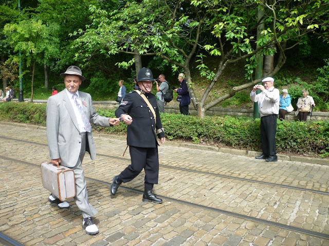 crich tramway museum 1940s home front second world war re-enactment via lovebirds vintage