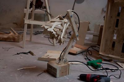 lampara con madera reciclada