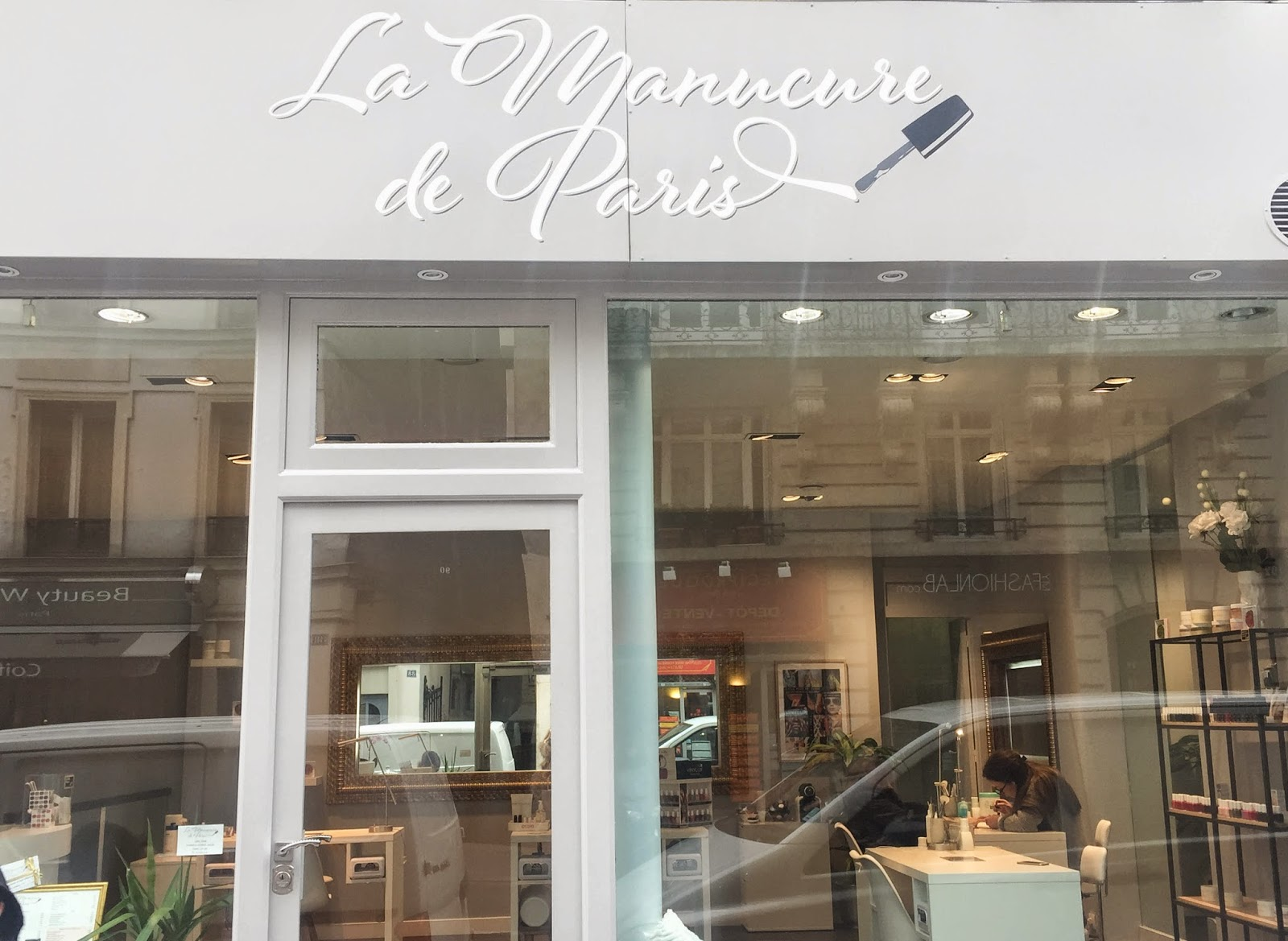 parisian place, nail salon, paris, fashion blogger