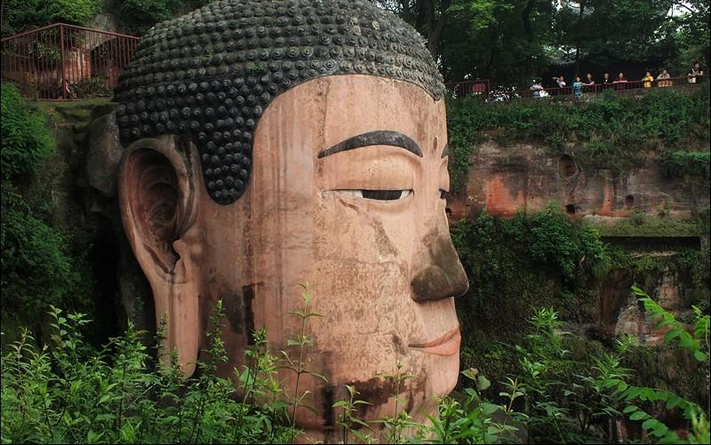 Top The Leshan Giant Buddha / Il Buddha gigante di Leshan | Tutt'Art  DE24