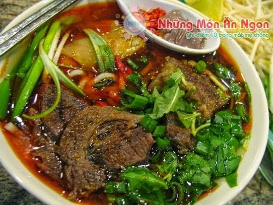Hướng dẫn cách nấu Bún bò Huế thơm ngon – Đậm phong cách Huế