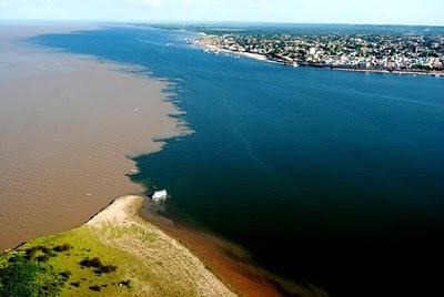 Encontro das águas (Ilha em frente a cidade-Ponta Negra)))