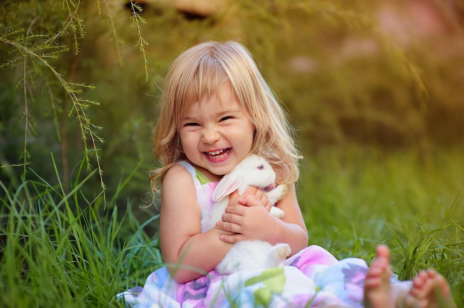 Feliz Little Lady