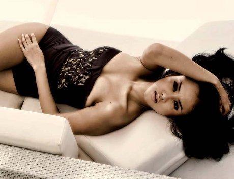 Hot Pictures Devi Liu On Black Lingerie