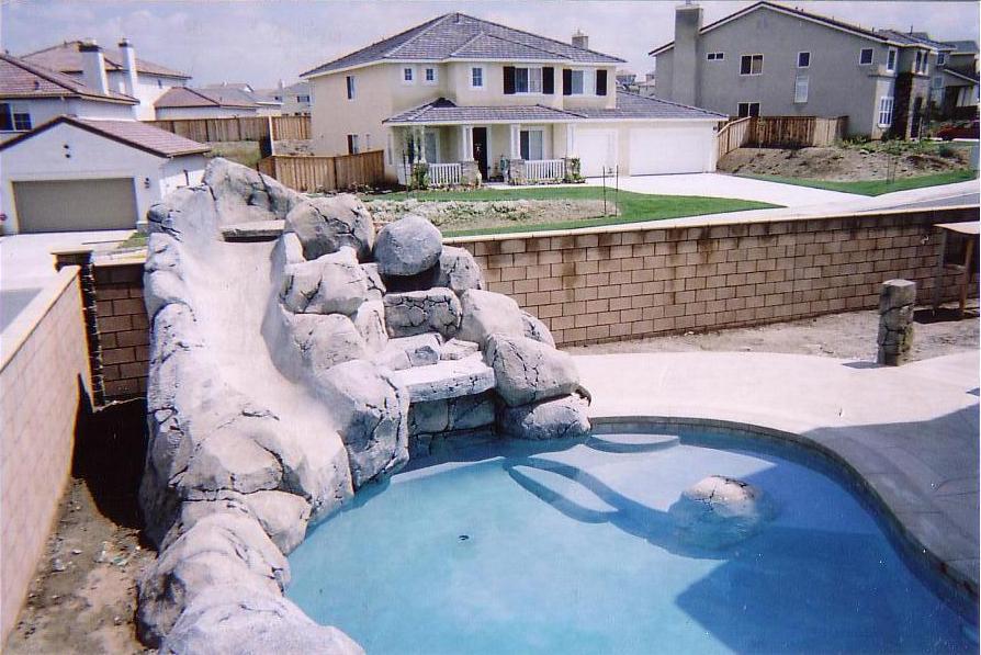 Dise ador y contrucci n de piscinas piscinas rusticas for Piscinas rusticas fotos