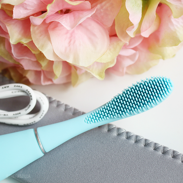 Issa Foreo Toothbrush, Review, how to use ISSA Foreo, proper oral hygiene