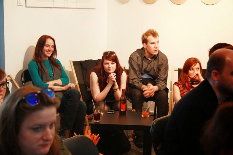 publicznosć, kobiety, mezczyzna, urodzinowe spotkanie Geek Girls Carrots Łódź