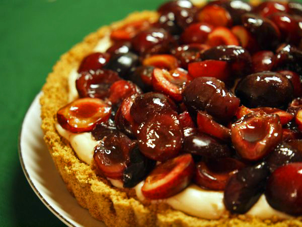 Cherry Amaretto Tart - Someplace That's Green