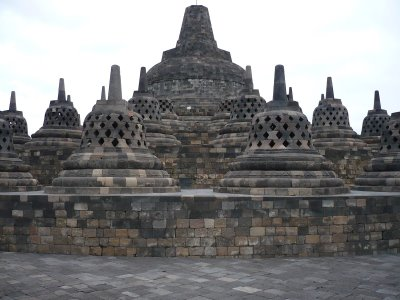 Awikkathaa Paragraf Deskriptif Candi Borobudur