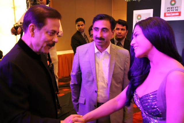 Veena Malik with Subrata Roy at Sahara Channel Launch