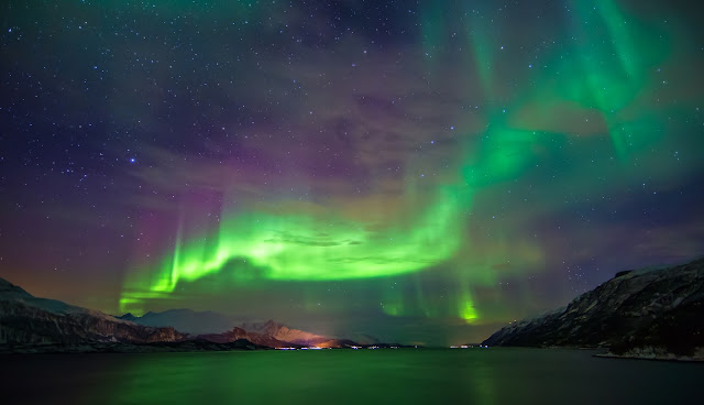 November 7, 2013  Image Credit & Copyright: Anders Hanssen