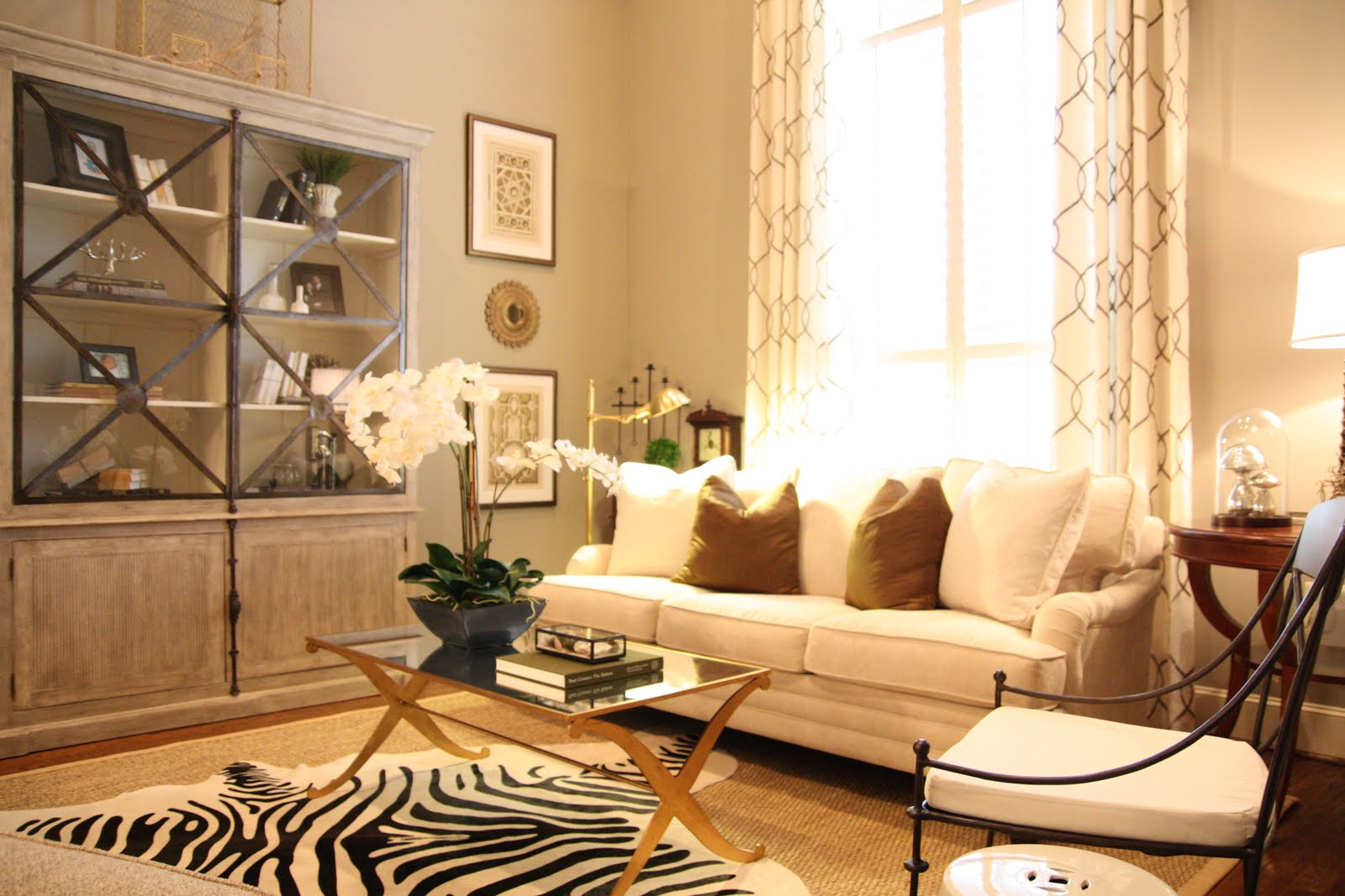 Live Beautifully: Living Room Before & After