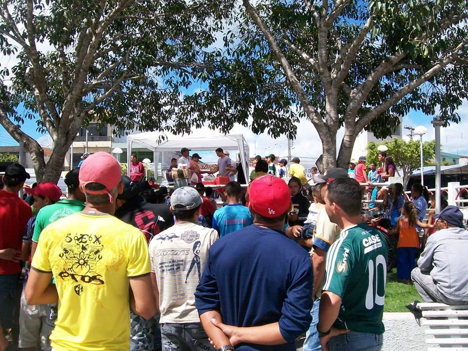 Movimento pró independência de Cruzes (PE) agita os dias de feira livre na localidade