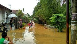 Belasan Rumah Di Parung Panjang Terendam Banjir, Puluhan Warga Mengungsi