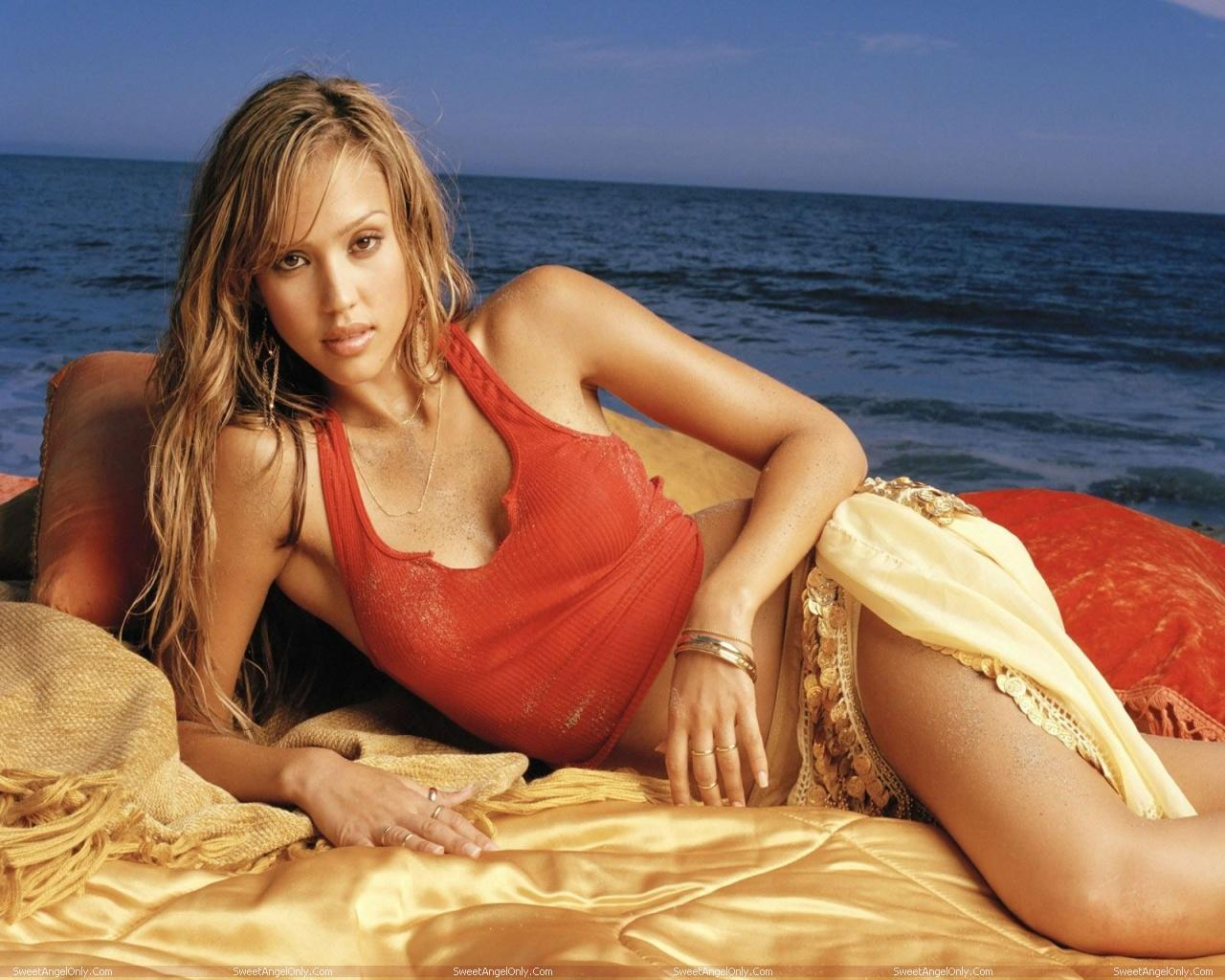 http://1.bp.blogspot.com/-B97l1tPvnRU/TW5abuWCfsI/AAAAAAAAE8g/5ZrHna9hx28/s1600/celebrity_jessica_alba_hot_photo_shoot_in_bikini_sweetangelonly_40.jpg