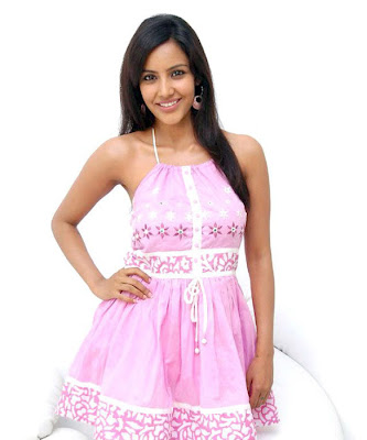 Priya Anand Cute in Pink Dress Photo