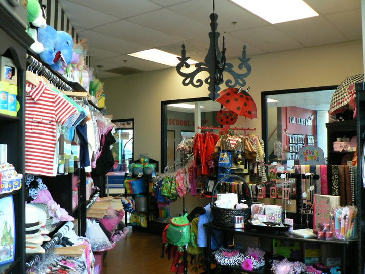 Mops holiday boutique cal elite boutique for Holiday boutique