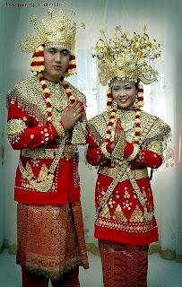 Baju Adat Tradisional Bengkulu