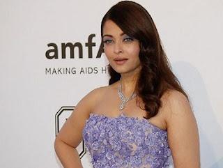 Aishwarya Rai Cute   In Purple Dress