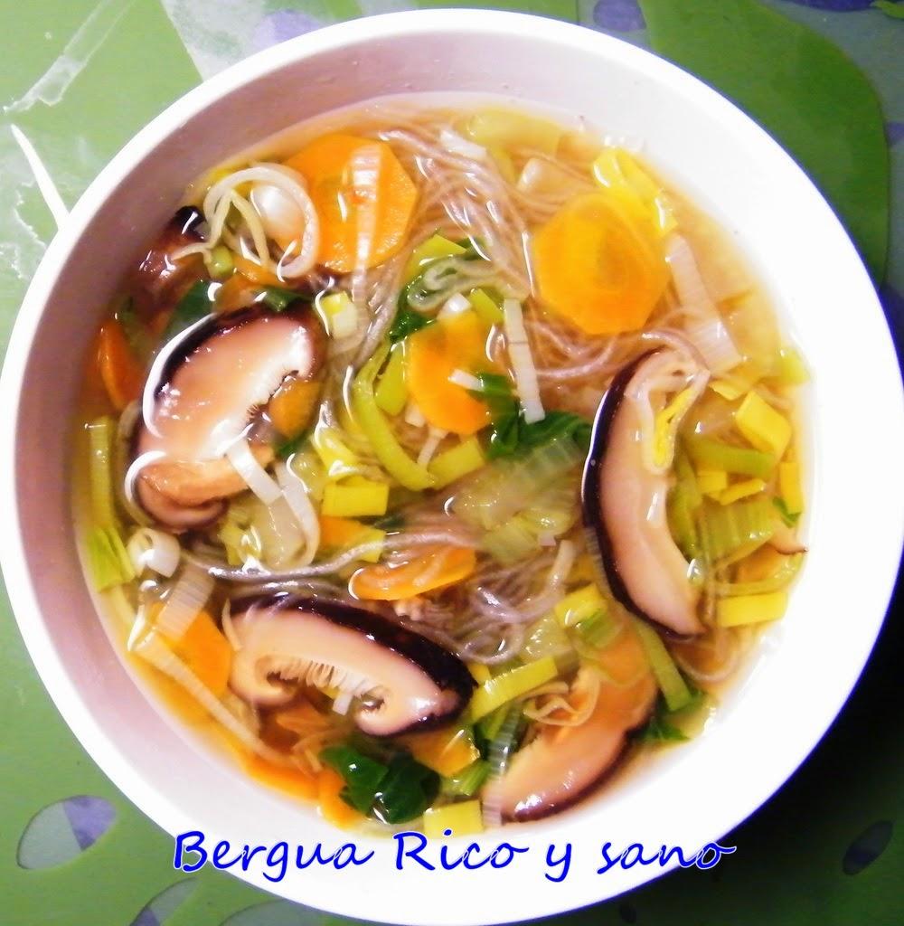 Comer rico y sano: Sopa de shiitake y verduras - photo#1