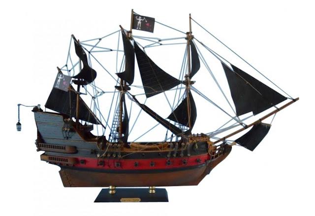 Blackbeard's Queen Anne's Revenge Pirate Ship Model