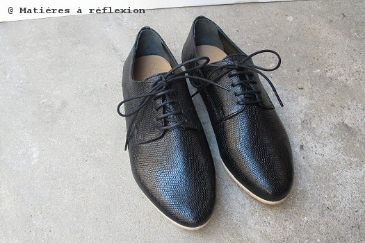 derbies noir serpent