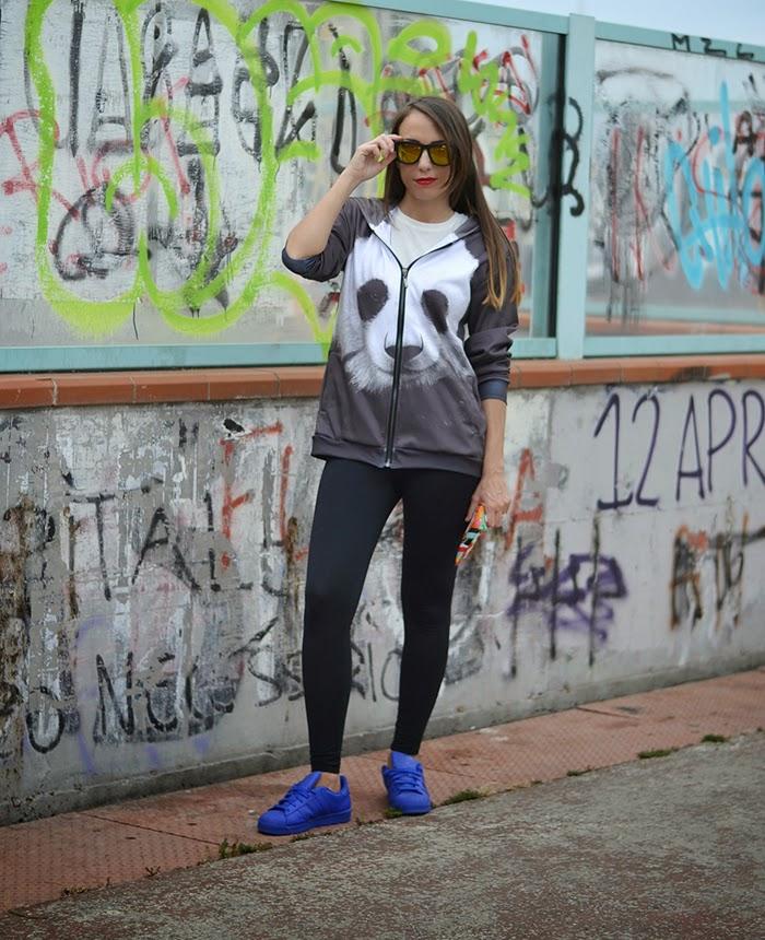 felpa con stampa panda