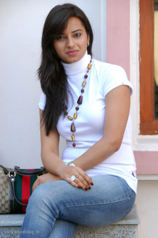 Photos Isha Chawla New Cute stills  Prema Kavali PressMeet wallpapers