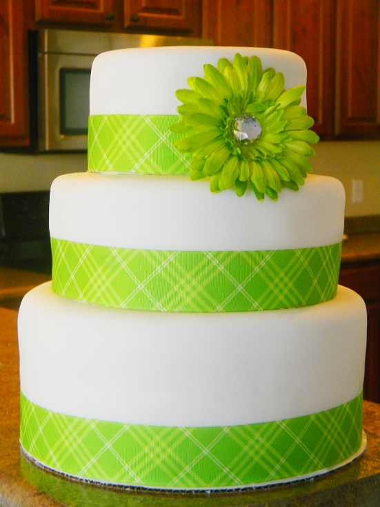 Cake Designs Green : Lynita and the Boys: Lime Green Birthday Cake!