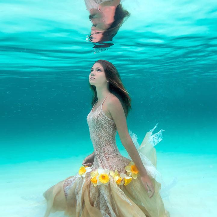 Exquisitas foto bajo el agua de Sacha Kalis, el 'Bahamas Girl'