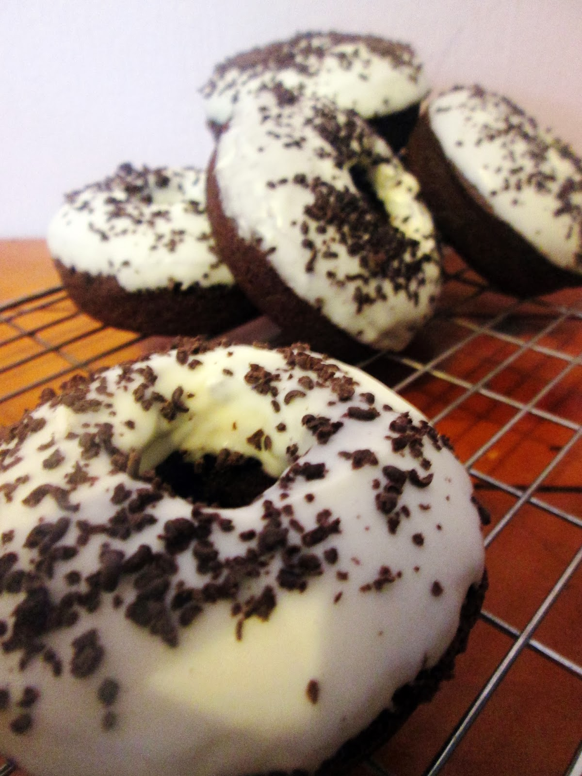 http://themessykitchenuk.blogspot.co.uk/2014/01/chocolate-baked-doughnuts-with-white.html