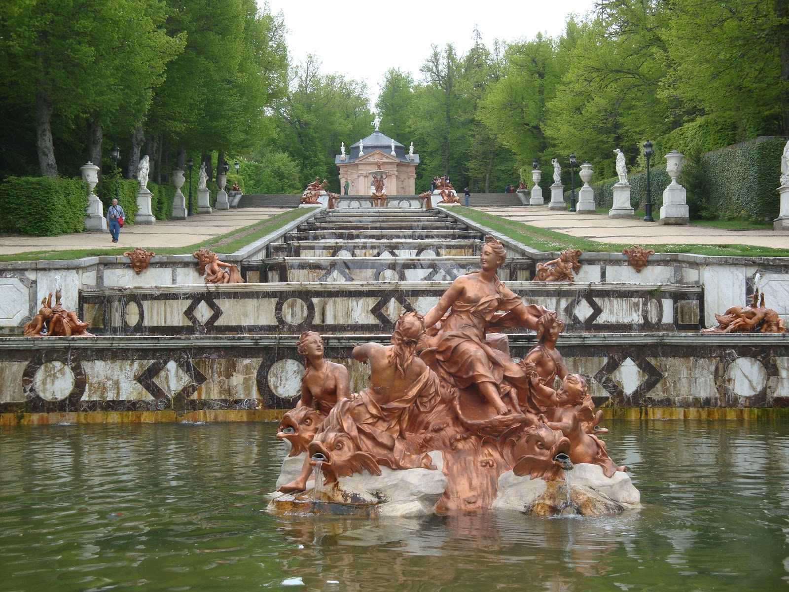 Viajeblogevasion palacio real de la granja de san for Jardines granja de san ildefonso