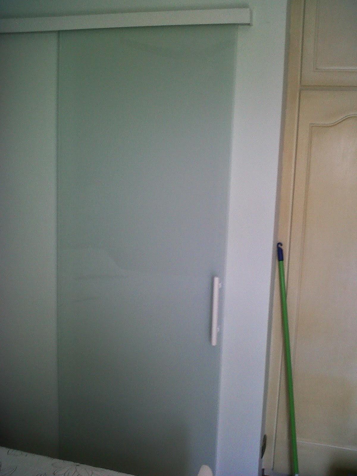 #766355 AF4 TEMPER VIDROS: Porta de correr serigrafada branco leitoso 1642 Janela De Aluminio Lavanderia