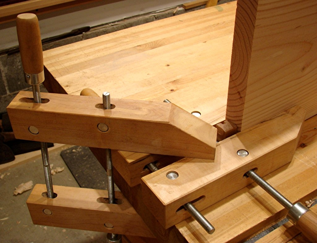 Simple Automaxx Bench Clamps From Kreg Make Bench Top Clamping Faster And