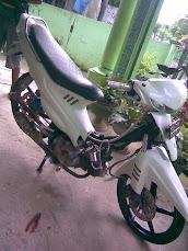 Suzuki Smash white