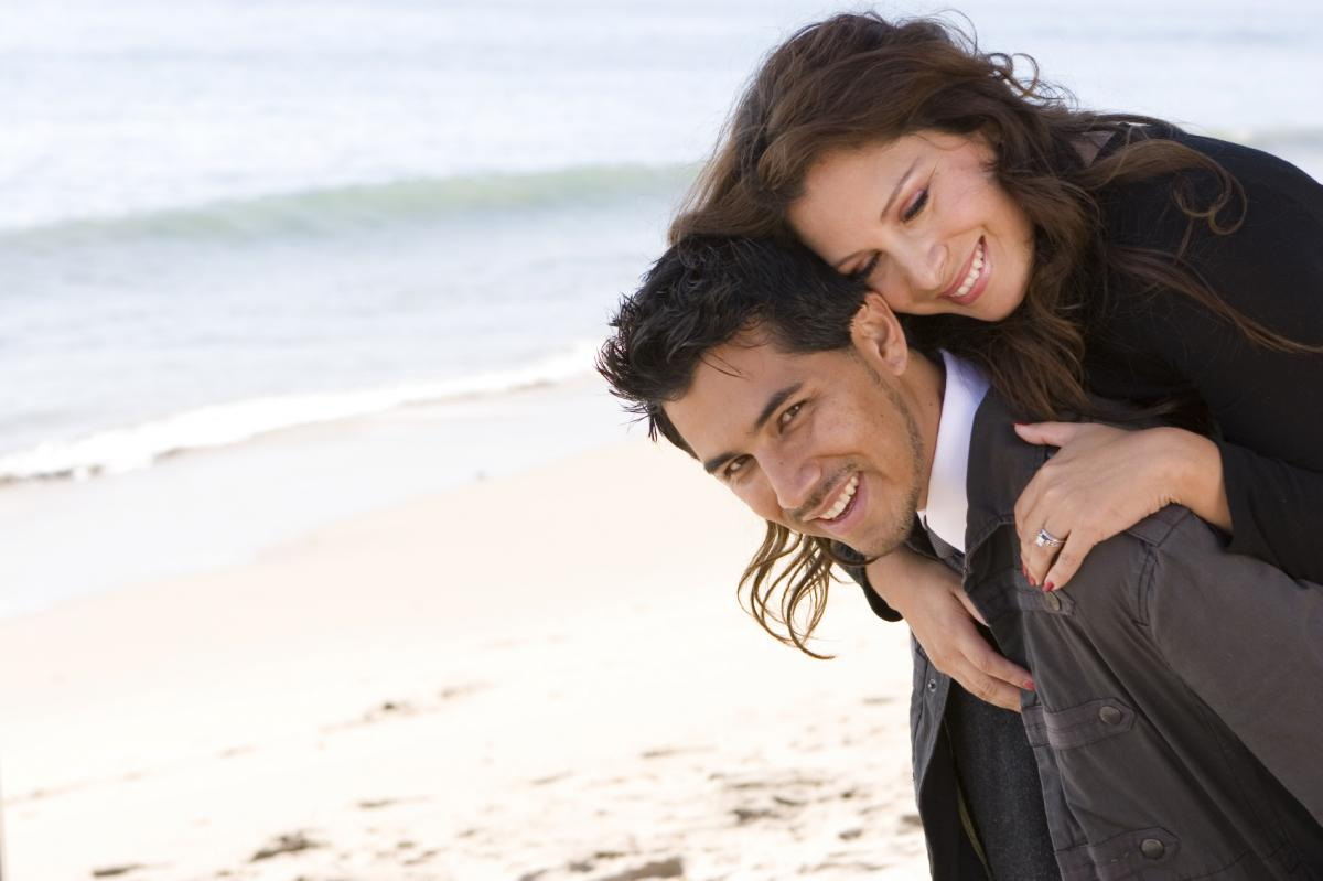 http://1.bp.blogspot.com/-BB01S_H_s3Q/ULzU9ulxO8I/AAAAAAAABoc/mMYqE_cLOTU/s1600/Romantic_love_romantic_couple_wallpaper_download_free%2B(25).jpg