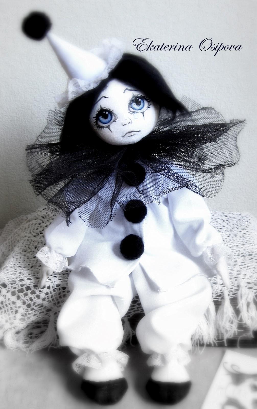 Вяжем игрушки спицами с Ольгой Чепижной: Размышления о том, как связать куклу Пьеро