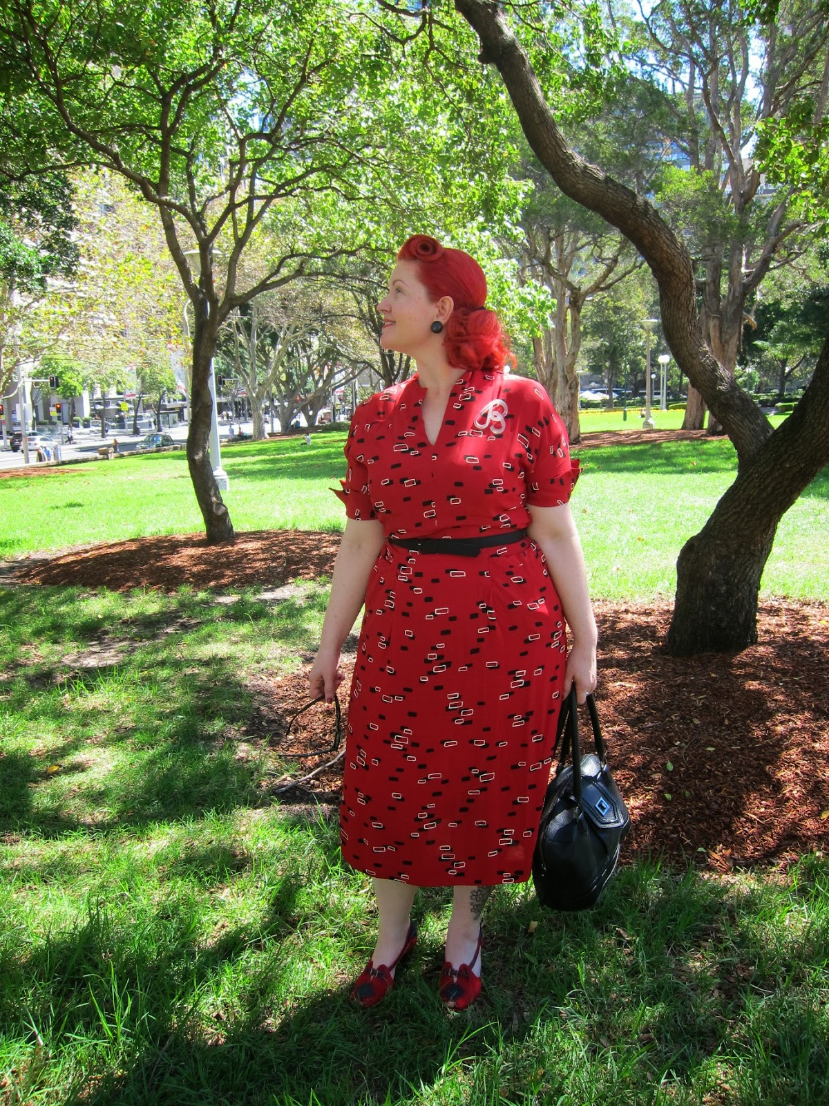 1940s rayon crepe dress novelty print plus size vintage